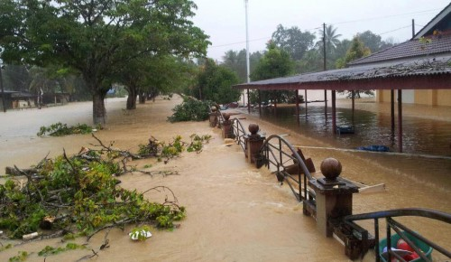 Punca Banjir Teruk - Fenomena Bulan Purnama, Hujan Lebat, Angin Kuat, Berlaku Serentak