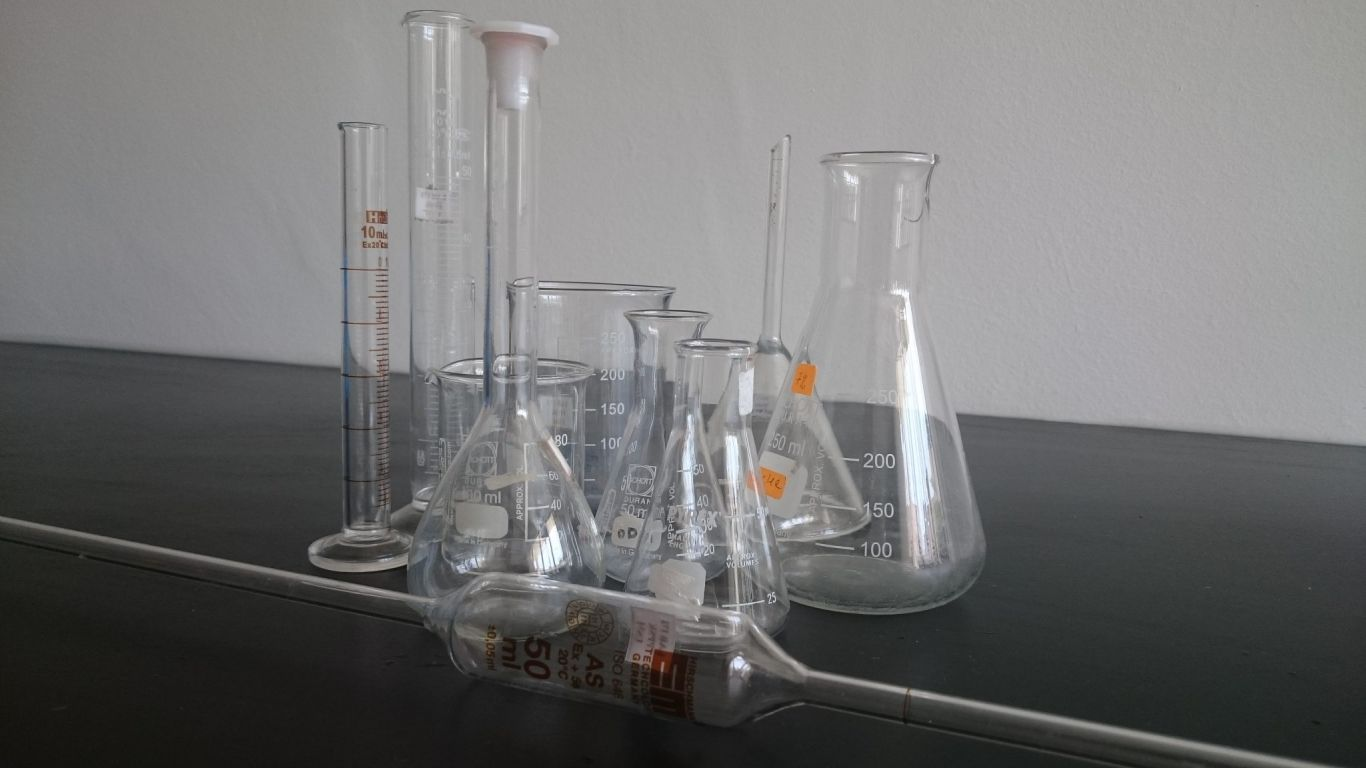 Traditional Lab Glasswares